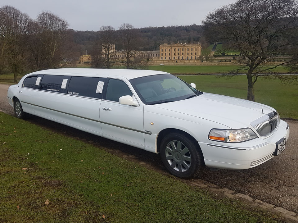 8 Seater White Limo (2)