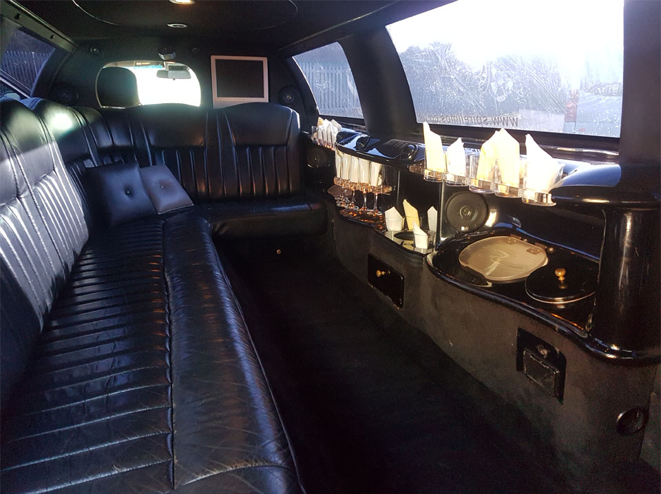 8 Seater White Limo (3)