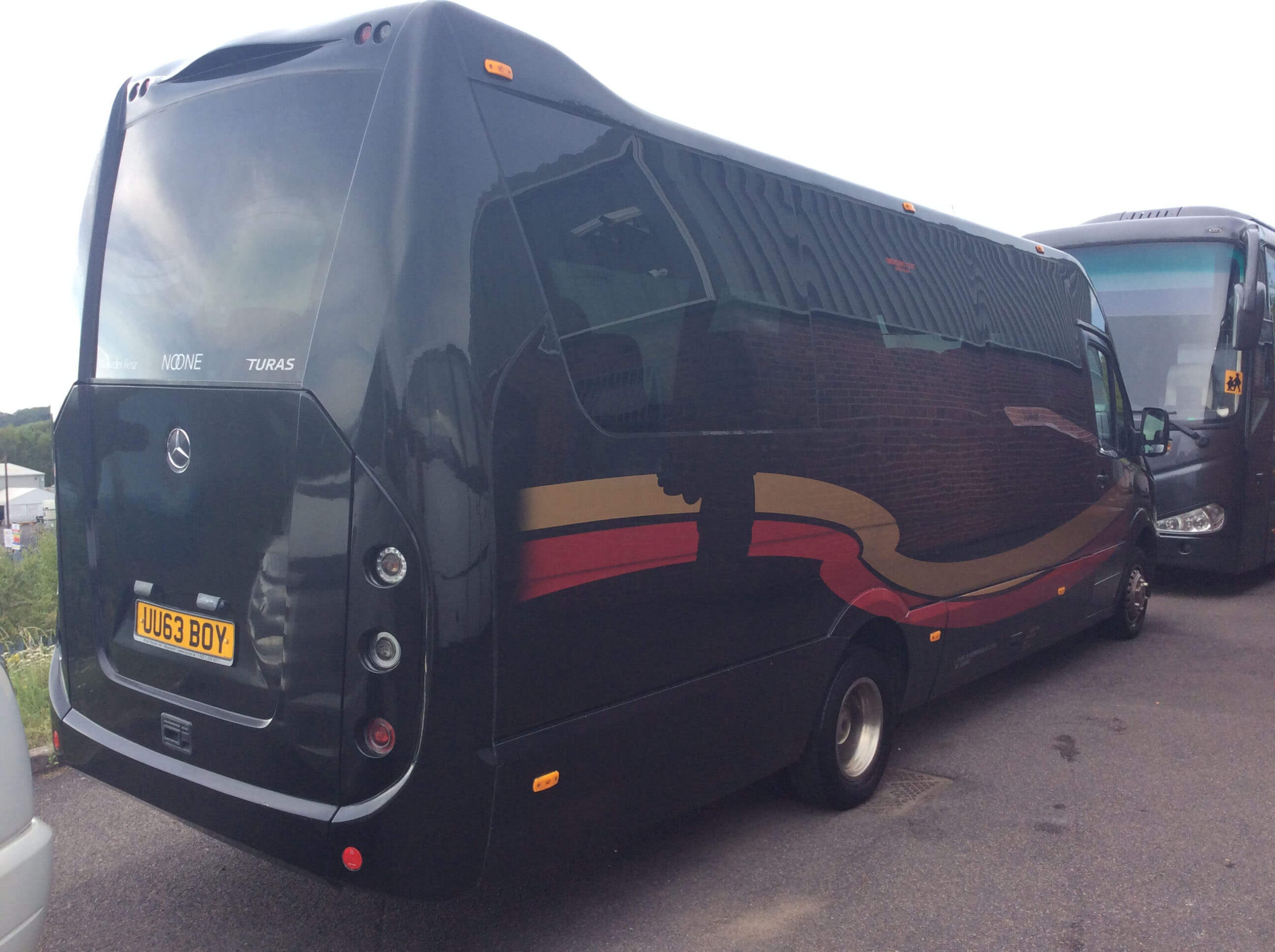 16 Seater Executive Coach (1)